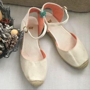 H&M plain flat ankle strap casual sandals